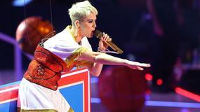 Katy Perry przez przypadek uderzyła fankę w czasie koncertu