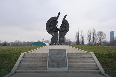 Spomenik na Starom Sajmištu