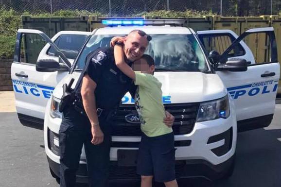 AMERIČKI SAN SRPSKOG ŽANDARMA Aleksandar je ranjavan na DEMONSTRACIJAMA u Beogradu, a sad je policajac meseca