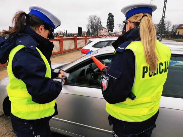 Policjantki w trakcie czynności służbowych