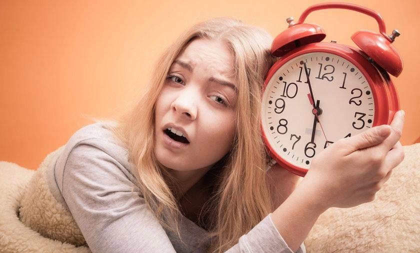 Naukowcy mówią o negatywnych skutkach zmiany czasu dla zdrowia