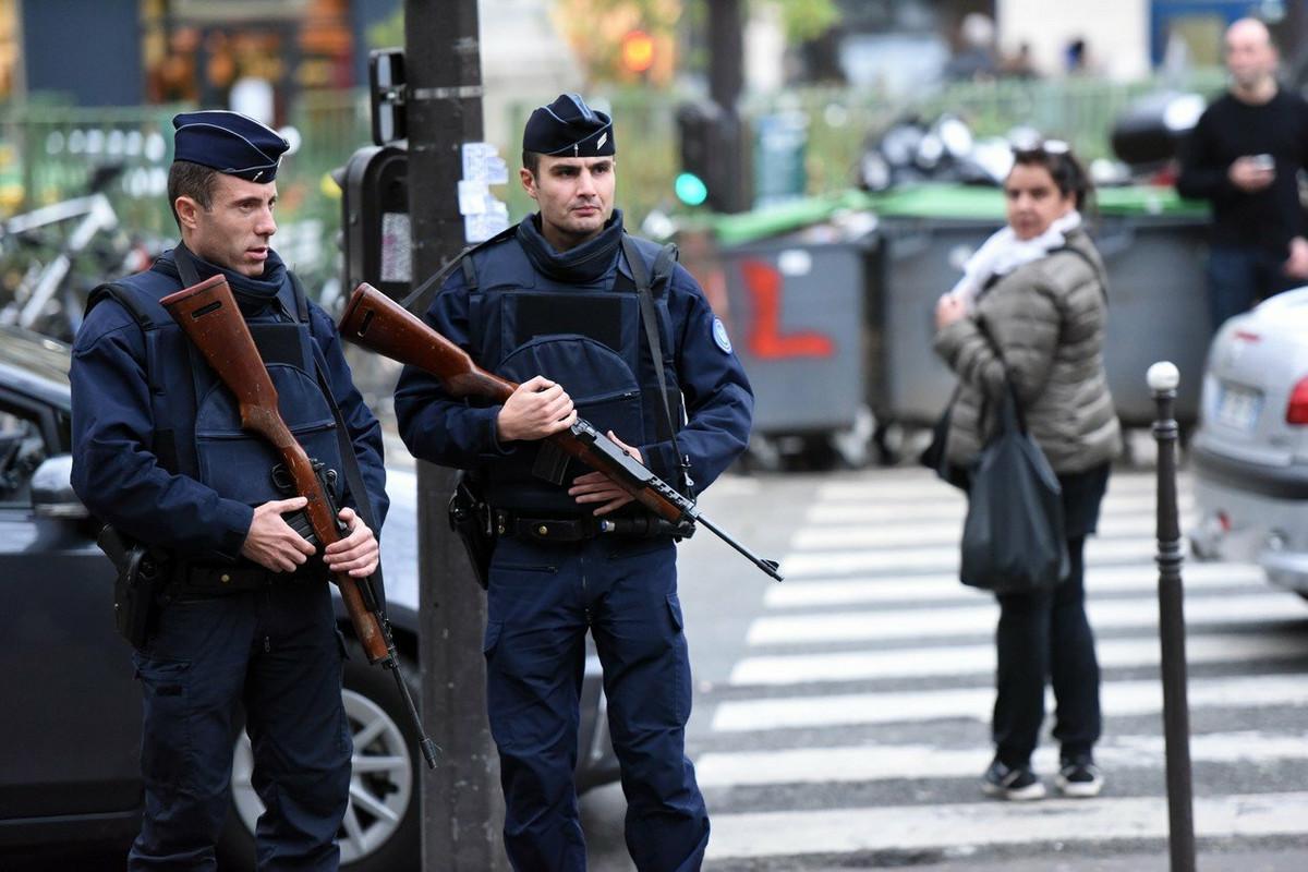 POKRENUTA ISTRAGA Policija pretresla dom Nemca u Francuskoj koji je podigao spomenik SS-u