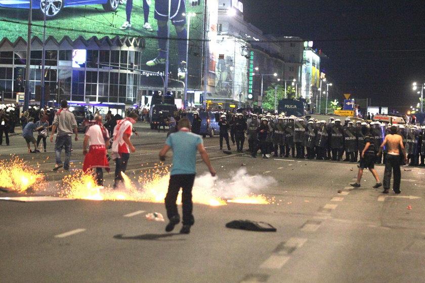 UEFA surowo karze za zachowanie kibiców