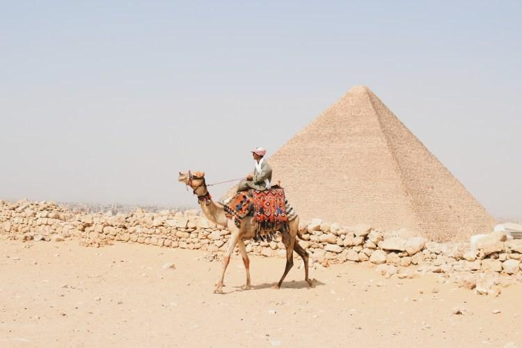 The Pyramids of Giza [Travel with a pen]