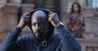 Nowe seriale: Czarny superbohater, hip-hop i Elżbieta II