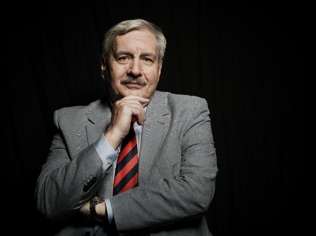 prof. Jerzy Eisler historyk, pracuje w Instytucie Historii PAN, kierował Oddziałem IPN w Warszawie