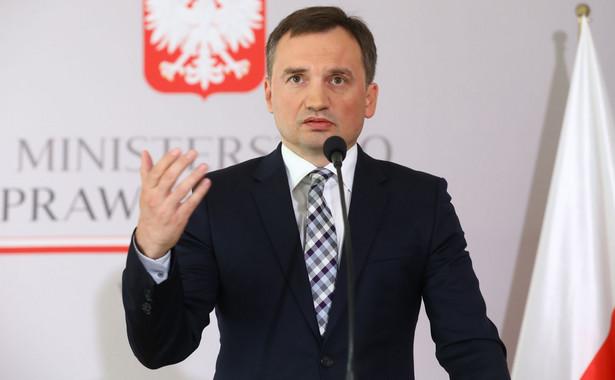Prokuratura Okręgowa w Warszawie prowadzi śledztwo ws. zbiorowego gwałtu na Polce oraz napadu na nią i jej partnera na plaży we włoskim Rimini.