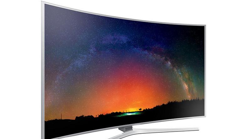 To jeden z topowych modeli telewizorów SSamsung. Technologia nanokryształów sprawia, że telewizor ma kolory bliskie oryginalnemu obrazowi z kina. Ma naprawdę dobrą jakość ekranu i, jeśli lubimy oglądać filmy w wysokie rozdzielczości, to jest jednym z najlepszych telewizorów na rynku