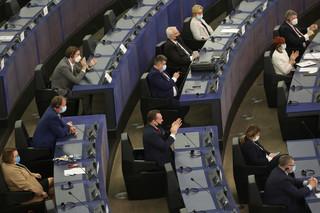 Debata w PE na temat Polski. Wystąpienie Morawieckiego i von der Leyen [RELACJA NA ŻYWO]