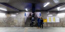 Zróbcie schody z tunelu na perony