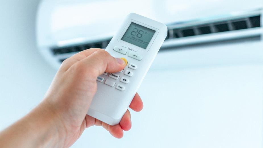 Klimatyzacja znacznie poprawia komfort przebywania w pomieszczeniach podczas upalnych dni