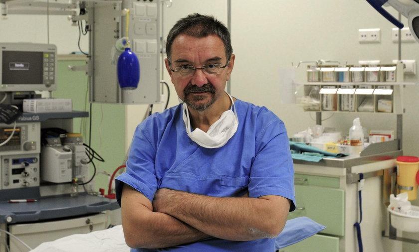 Profesor Romuald Dębski to wybitny ginekolog