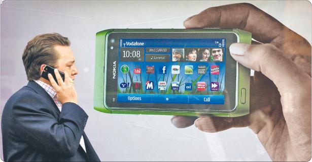 Smartfony nie tylko ułatwiają nam życie. Aplikacje gromadzą o nas olbrzymie ilości danych. Jeśli jest szansa na odniesienie korzyści handlowej, żadna informacja nie jest zbyt błaha Fot. Reuters/Forum