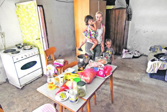 Valentina se nada da će jednom uspeti treće dete da dovede kući