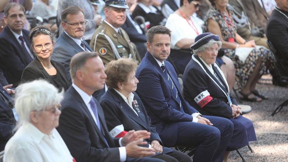 Prezydent Andrzej Duda i prezydent m.st. Warszawa Rafał Trzaskowski dziękowali powstańcom za służbę