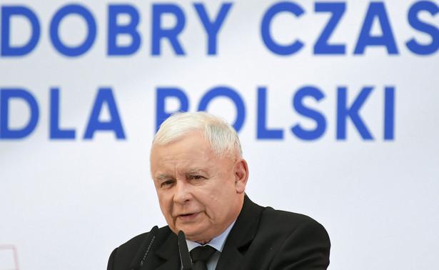 W przyszłym roku będzie trzynasta emerytura, a w 2021 roku czternasta na stałe - zapewnił w czwartek prezes PiS Jarosław Kaczyński podczas konwencji wyborczej w Płocku.