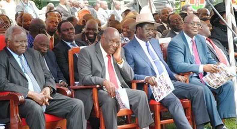 Former president Mwai Kibaki, Nyamira governor John Nyagarama, former Prime Minister Raila Odinga and Kisii governor James Ongwae