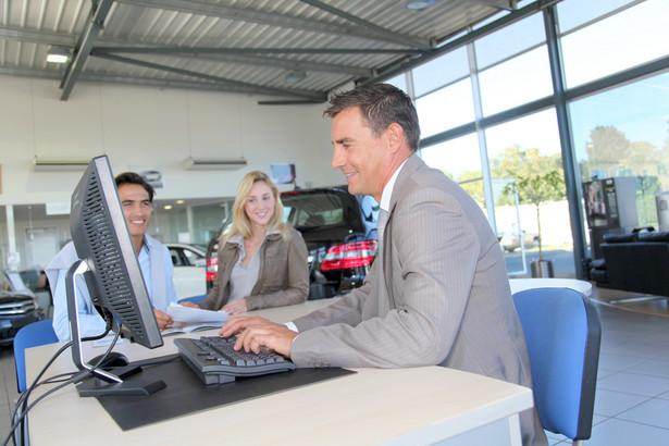 Podejmując decyzje o sfinansowaniu zakupu auta nowego lub używanego środkami pochodzącymi z kredytu samochodowego musimy pamiętać o kilku podstawowych sprawach.