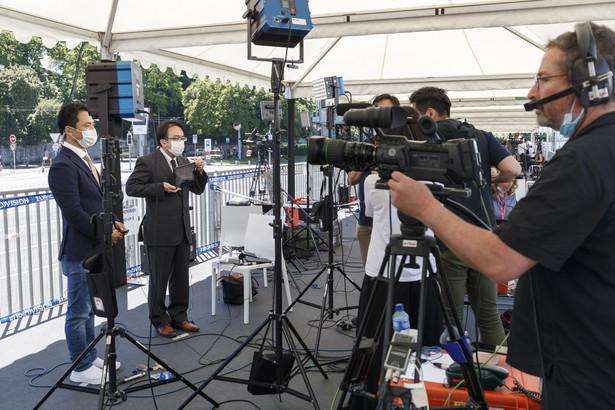 Dziennikarze przed spotkaniem Biden-Putin