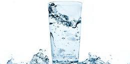 Lubisz wypić? Ta woda oczyszcza wątrobę