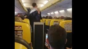 Steward zszokował pasażerów. Zaczął tańczyć do piosenki Britney Spears!