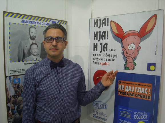 Miljan Manić, ajutor izložbe izbornih plakata
