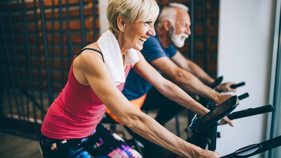 Jak zacząć ćwiczyć po 60 roku życia?