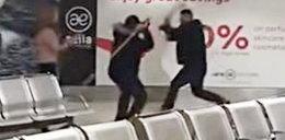 Awantura na lotnisku. W ruch poszły koszyki i gaśnica