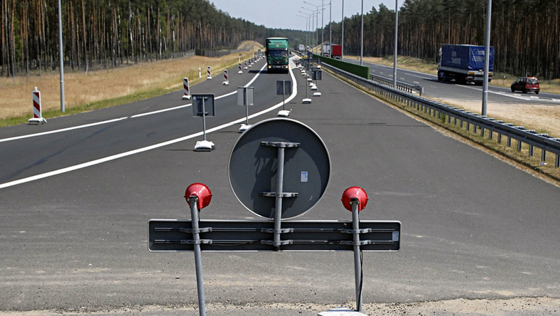 Rząd ukręcił bat na blokujących autostrady
