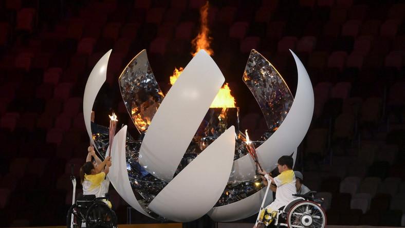 W Tokio znów zapłonął znicz olimpijski