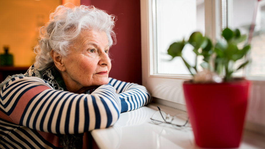 Starszym osobom jest najciężej w czasie pandemii (zdjęcie ilustracyjne)