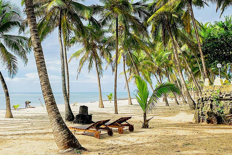 Coconut Beach. [coconutbeachlodge]