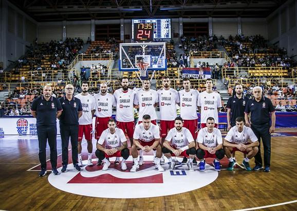 Košarkaška reprezentacija Srbije pred početak meča na Kritu