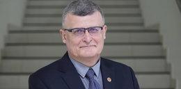 """Dr Paweł Grzesiowski zabrał głos w sprawie walki rządu z COVID-19.""""Jesteśmy zanurzeni w fali pandemicznej, jeszcze chwila i woda przykryje nas całkowicie"""""""