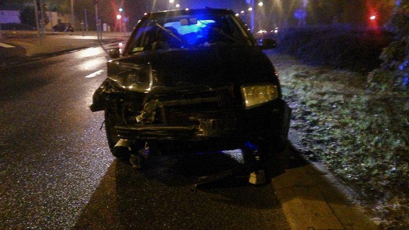 W drugim radiowóz zderzył się z innym samochodem