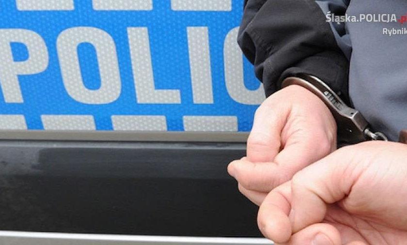 Pijany kierowca rzucił się na policjantów