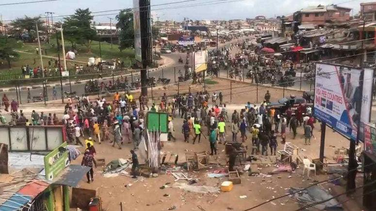 One dies in park managers, cell phone retailers clash in Ibadan   Pulse  Nigeria