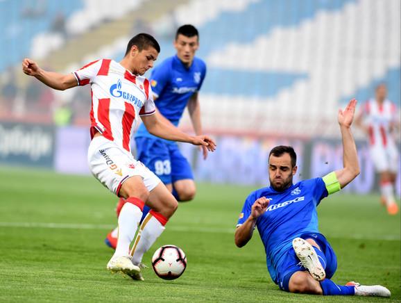 Dejan Joveljić u jednoj od šansi pred golom Mladosti