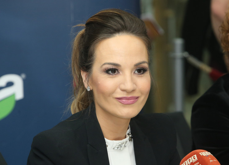 Jelena Tomasevic pevacica