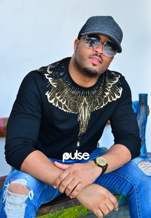Mike Ezuruonye is presently thanking God after undergoing surgery following growth on his eye. [PULSE]