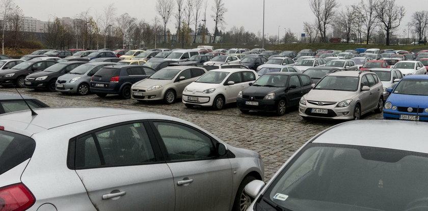 Zakaz wjazdu do Katowic? Katowicki radny dzieli kierowców