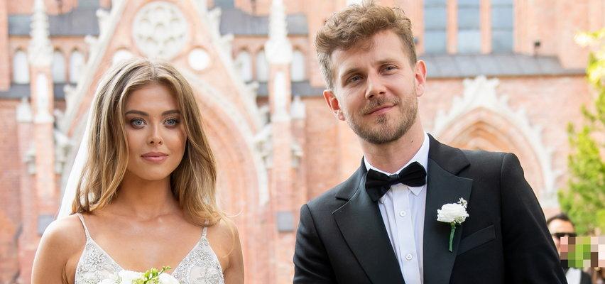 Czym Opozda i Królikowski przyjechali na swój ślub? Zrobili to  na bogato! Zobacz, ile kosztuje taka limuzyna!