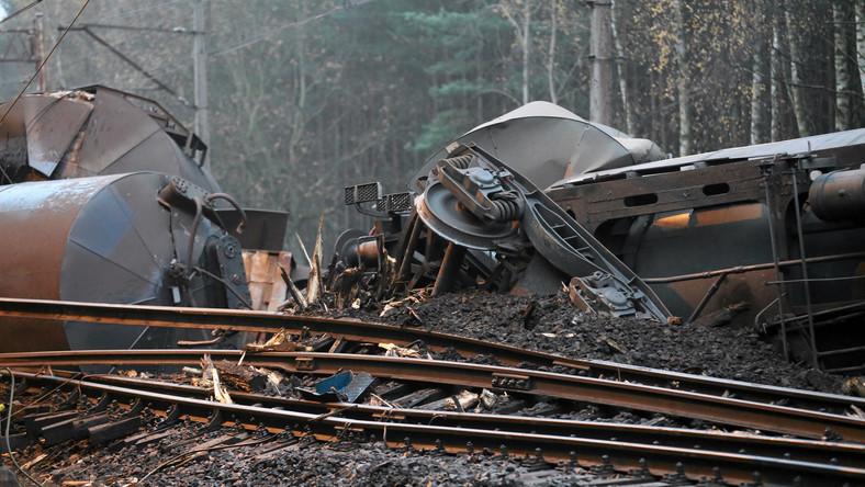 Wypadek pociągu z cysternami wypełnionymi olejem opałowym na Wyspie Wolin.