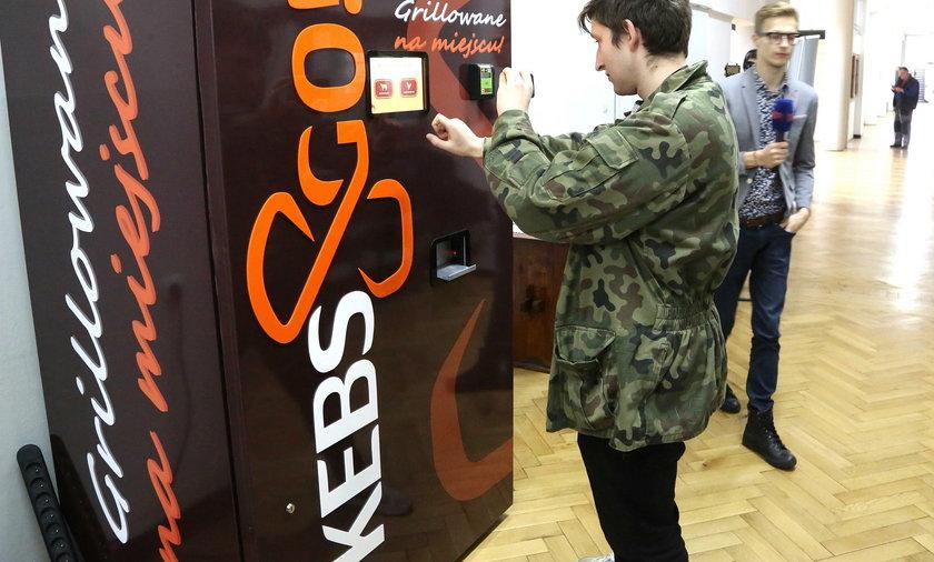 Studenci zrobili maszynę do kebabów