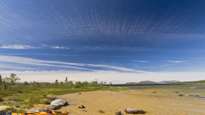 Kajak na brzegu jeziora Rogen, Szwecja