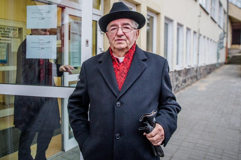 Sławoj Leszek Głódź - kim jest ukarany duchowny?