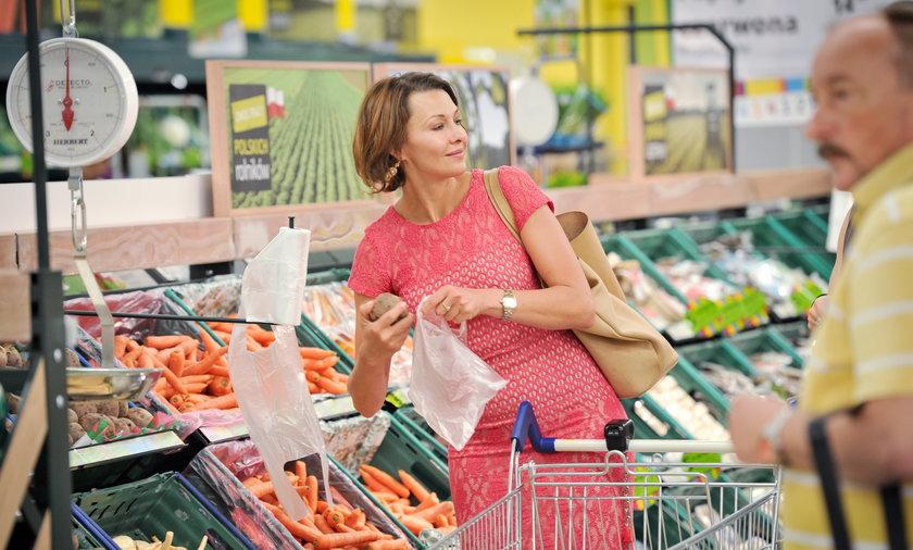 Anna Popek zakupy w Tesco