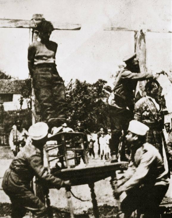 Seljaci vešaju boljševika 1920-tih