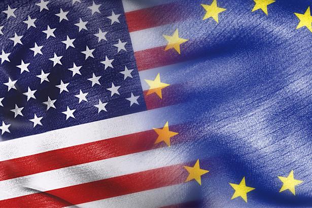 Flagi USA i Unii Europejskiej. Fot. Shutterstock.