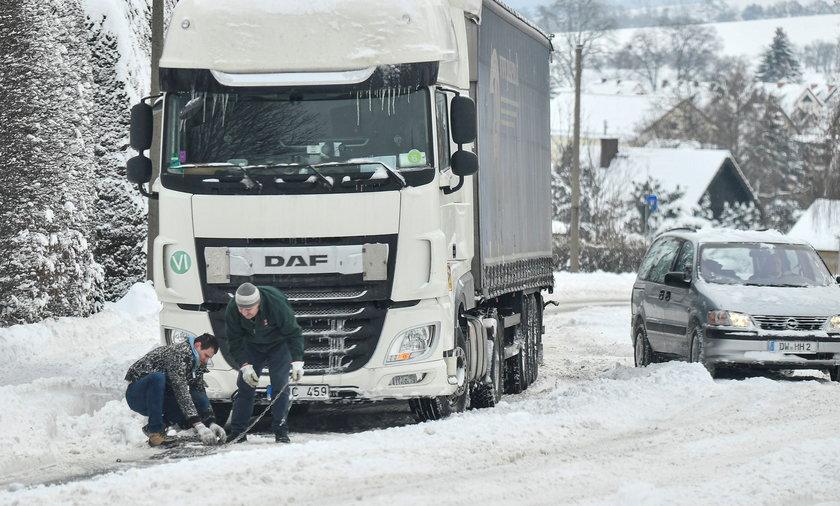 W poniedziałek farmaceutyczny gigant Pfizer i jego niemiecki partner BioNTech mieli dostarczyć kolejną dostawę szczepionek do Bułgarii.